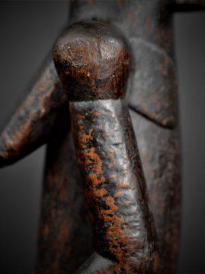 fang gardien reliquaire détail bras