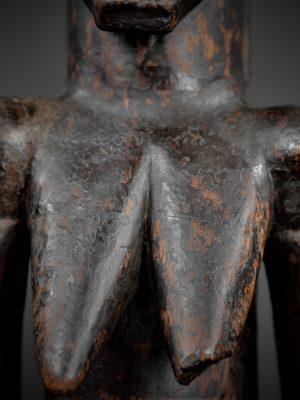 fang gardien reliquaire détail torse