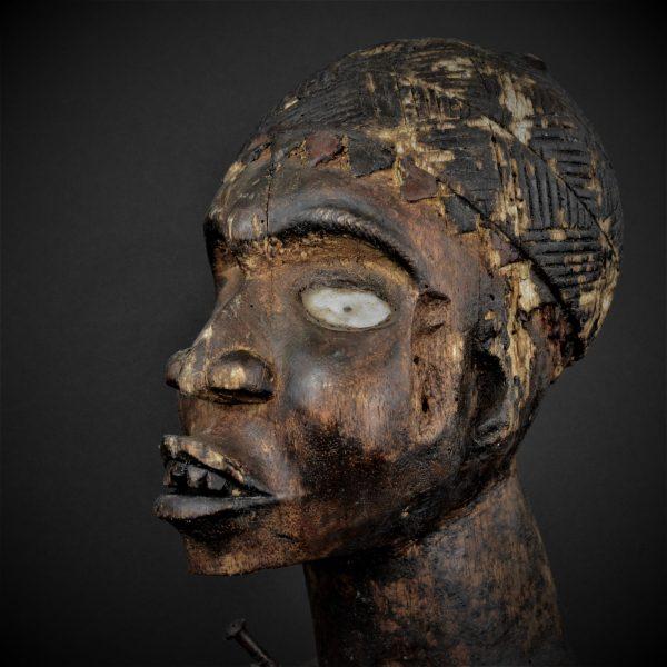 Statue Nkisi Nkonde, Kongo-Vili, République Démocratique du Congo