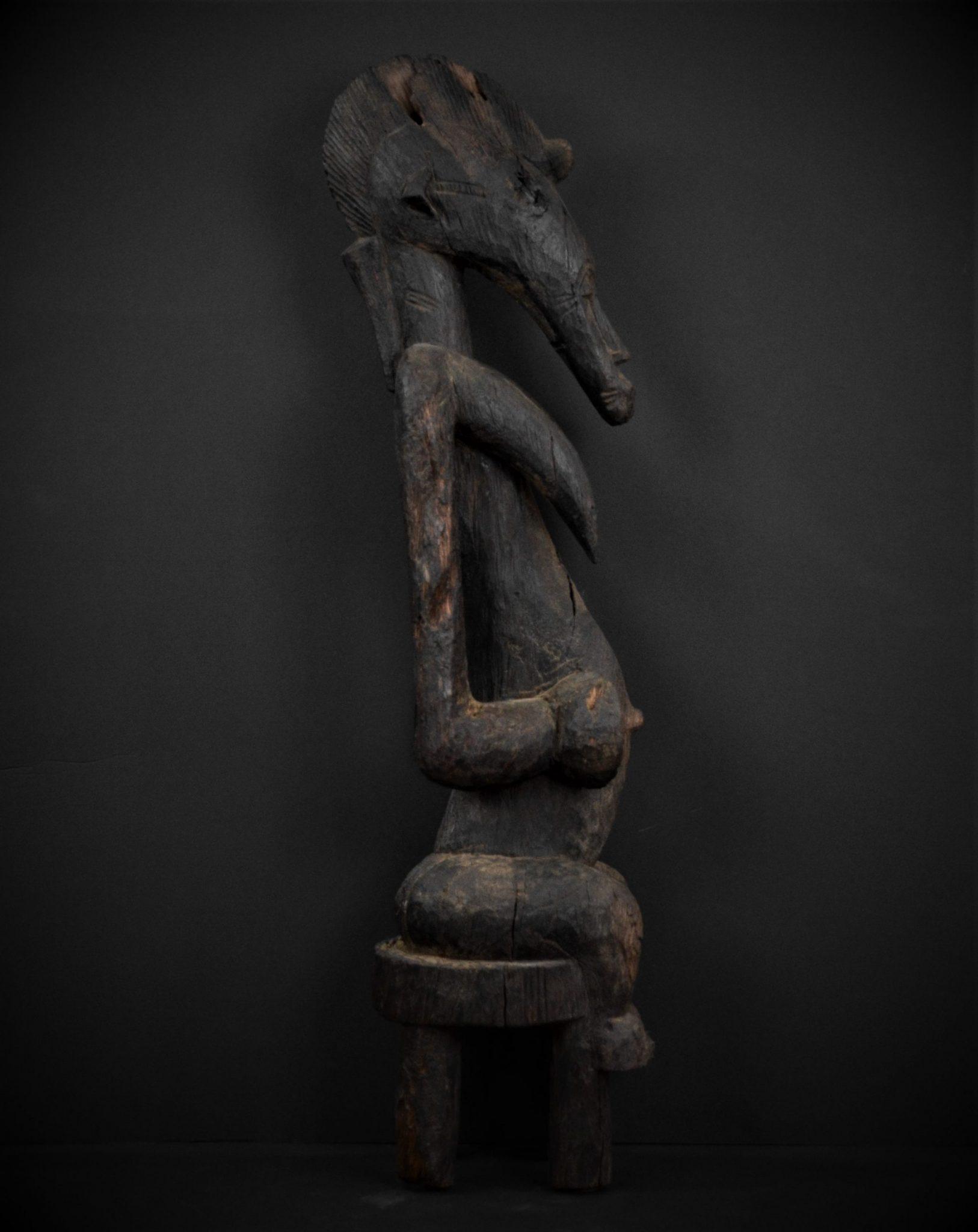 Statue Féminine Sénoufo profil droit