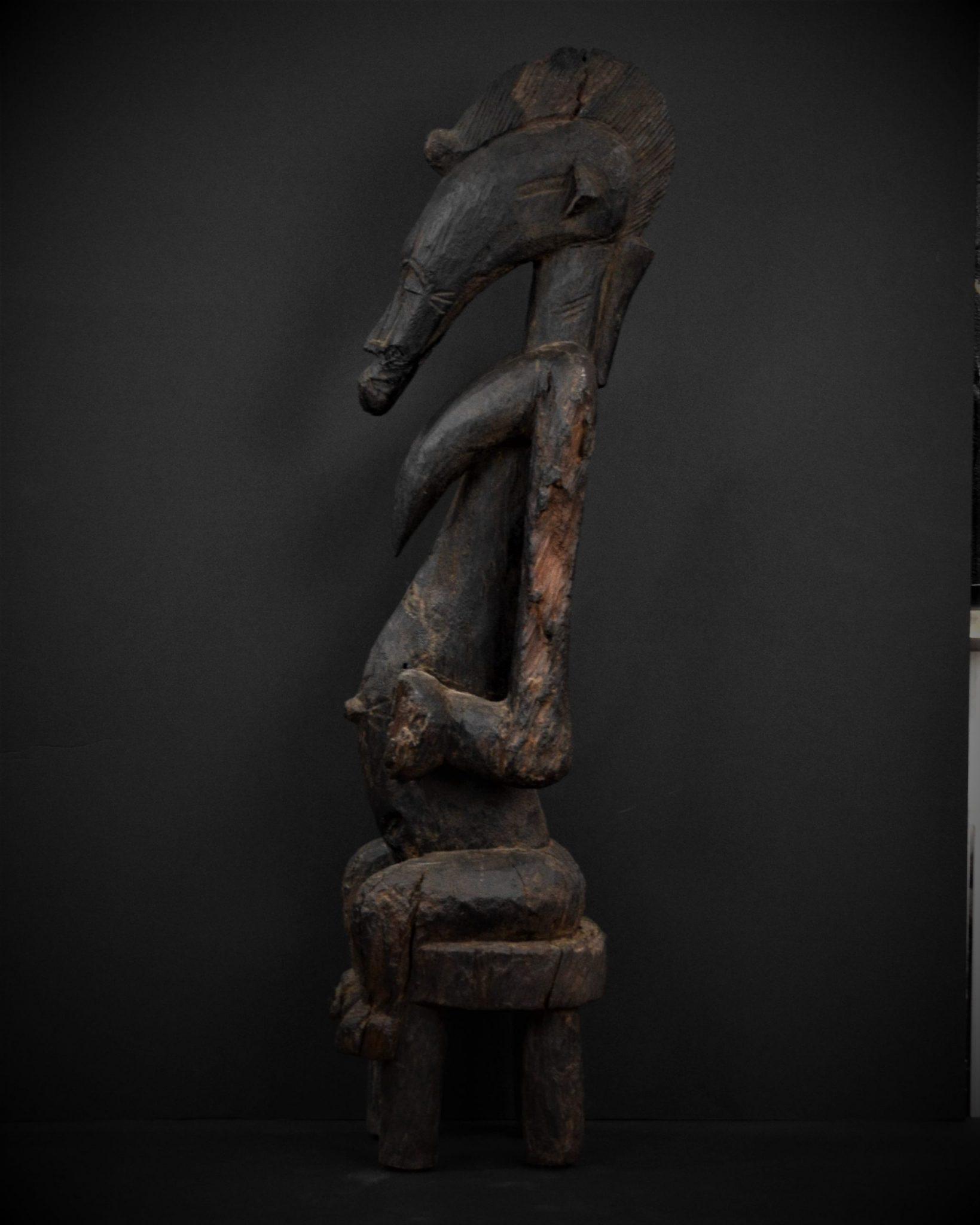 Statue Féminine Sénoufo profil gauche