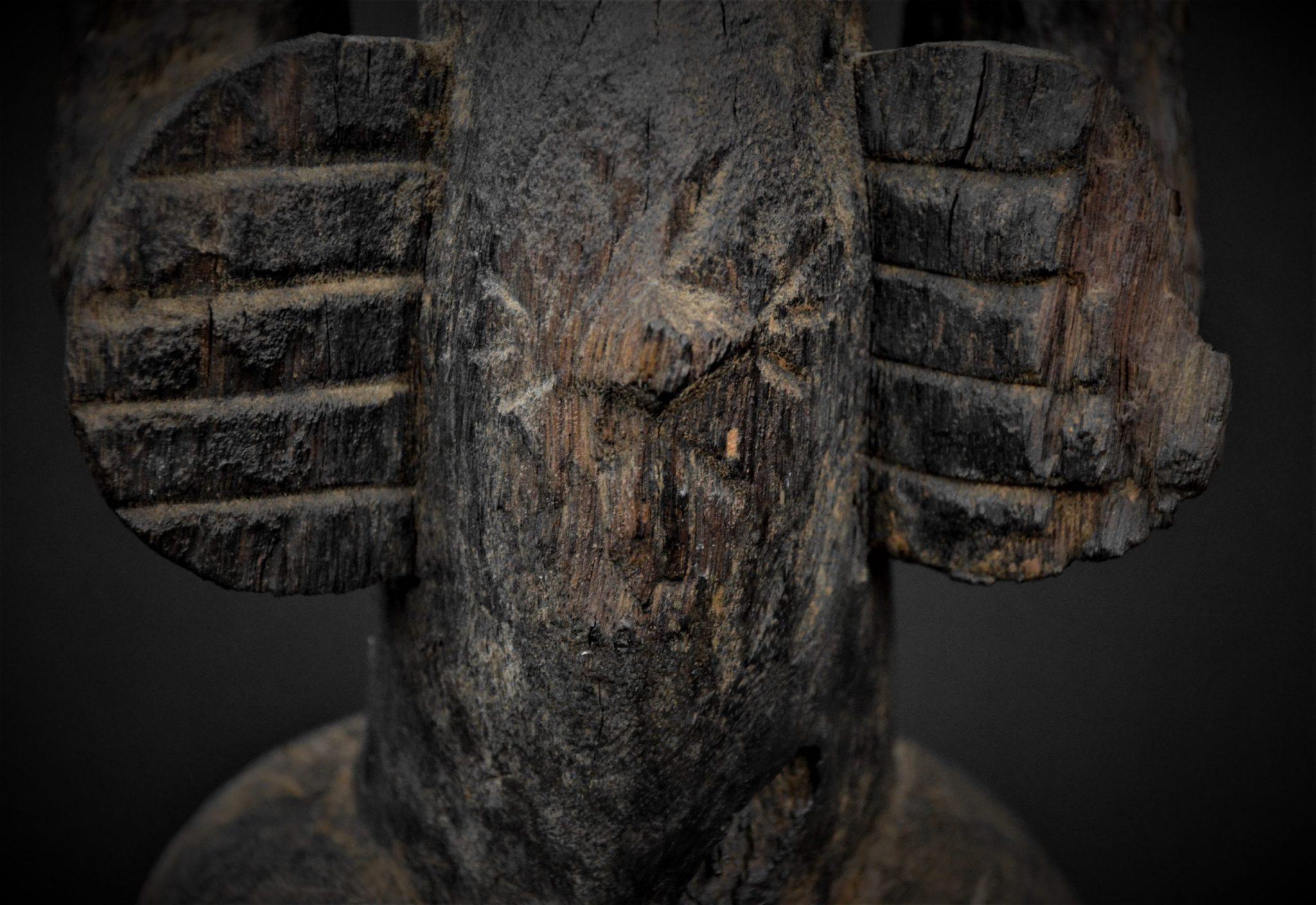 Statue Féminine Senoufo 1er détail nombril