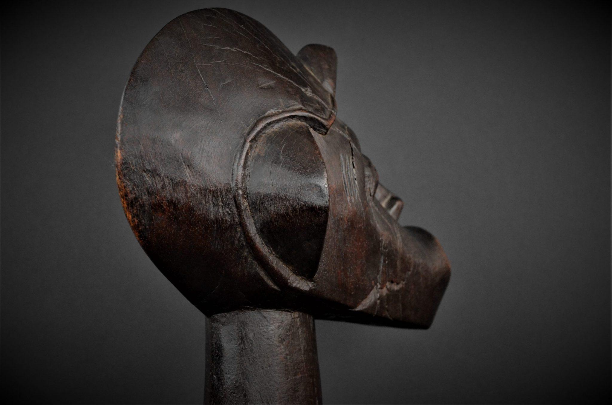 Statue Maternité Senoufo 1er plan 3quarts droite arrière