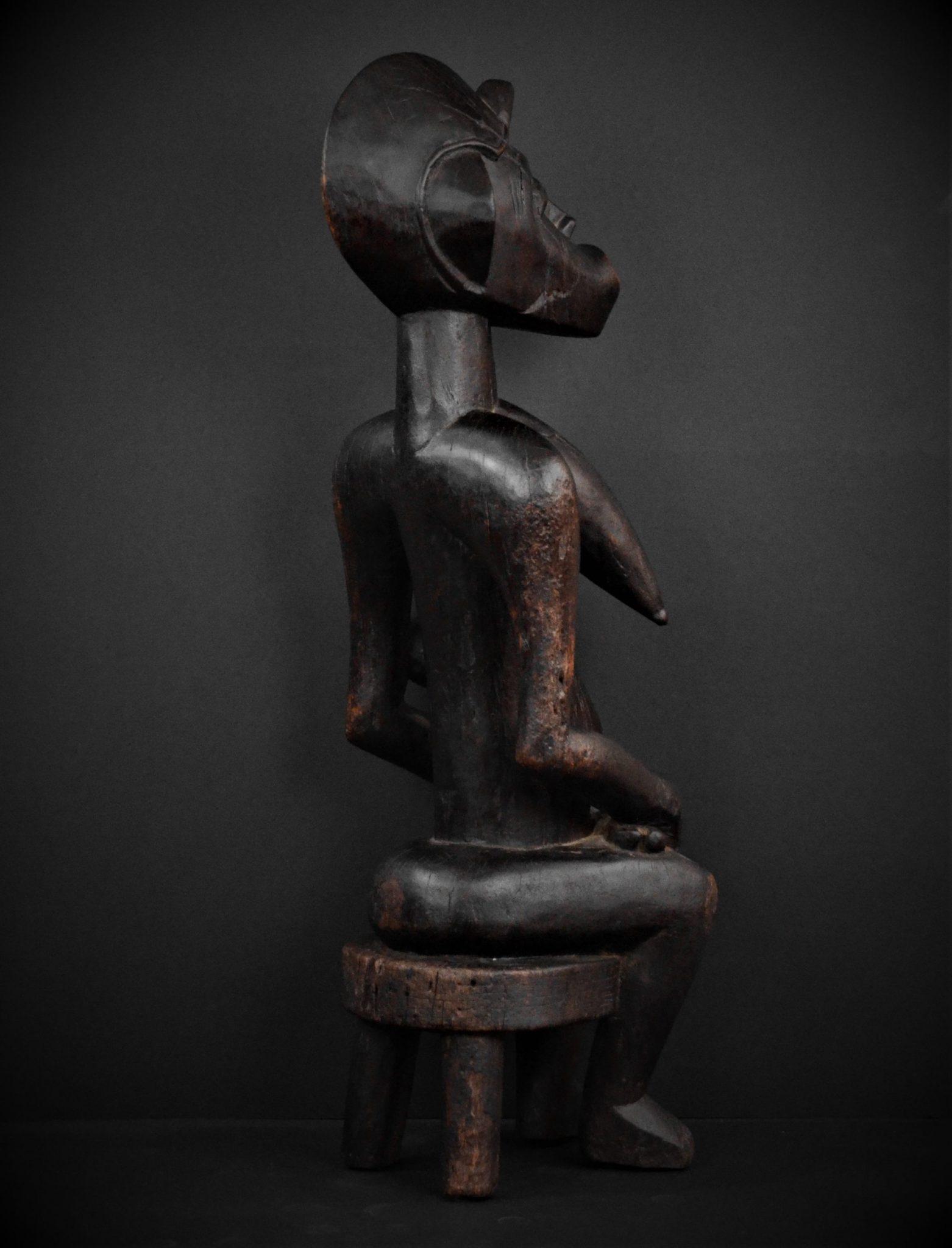 Statue Maternité Senoufo 3quarts dtroite arrière