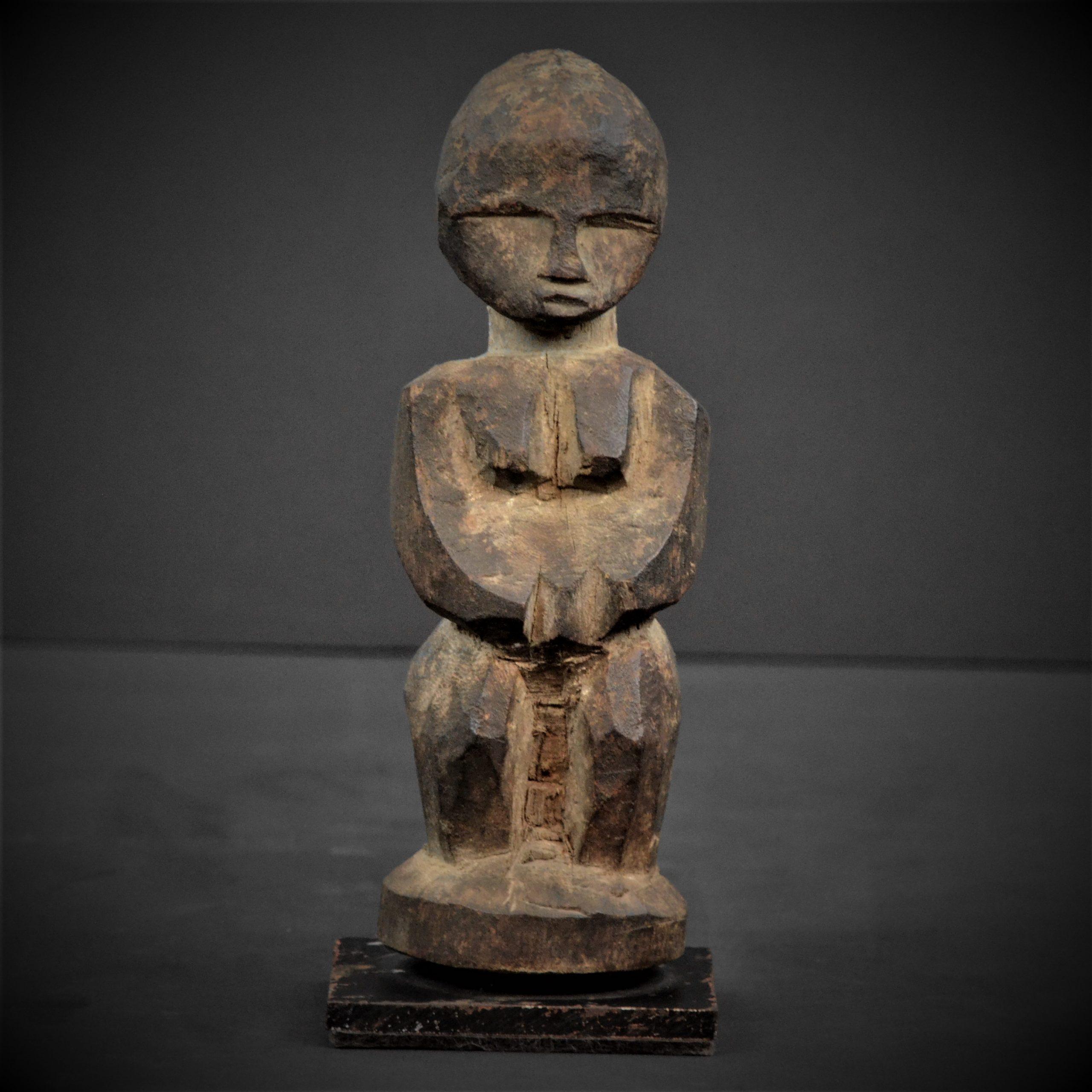 statuette lobi 15