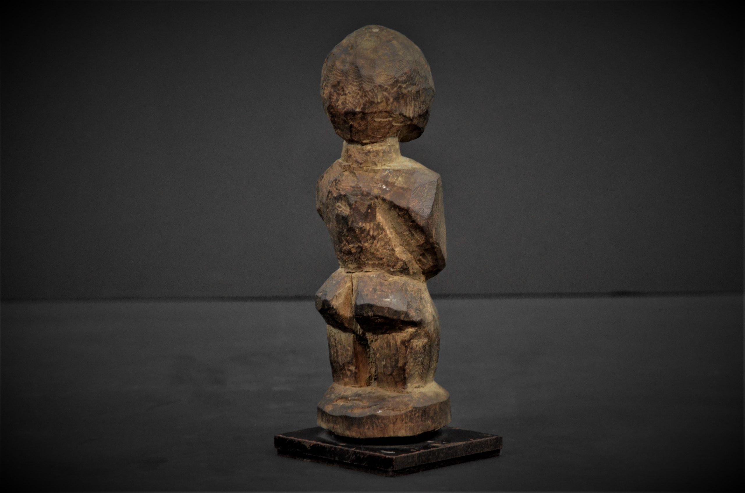 statuette lobi 18