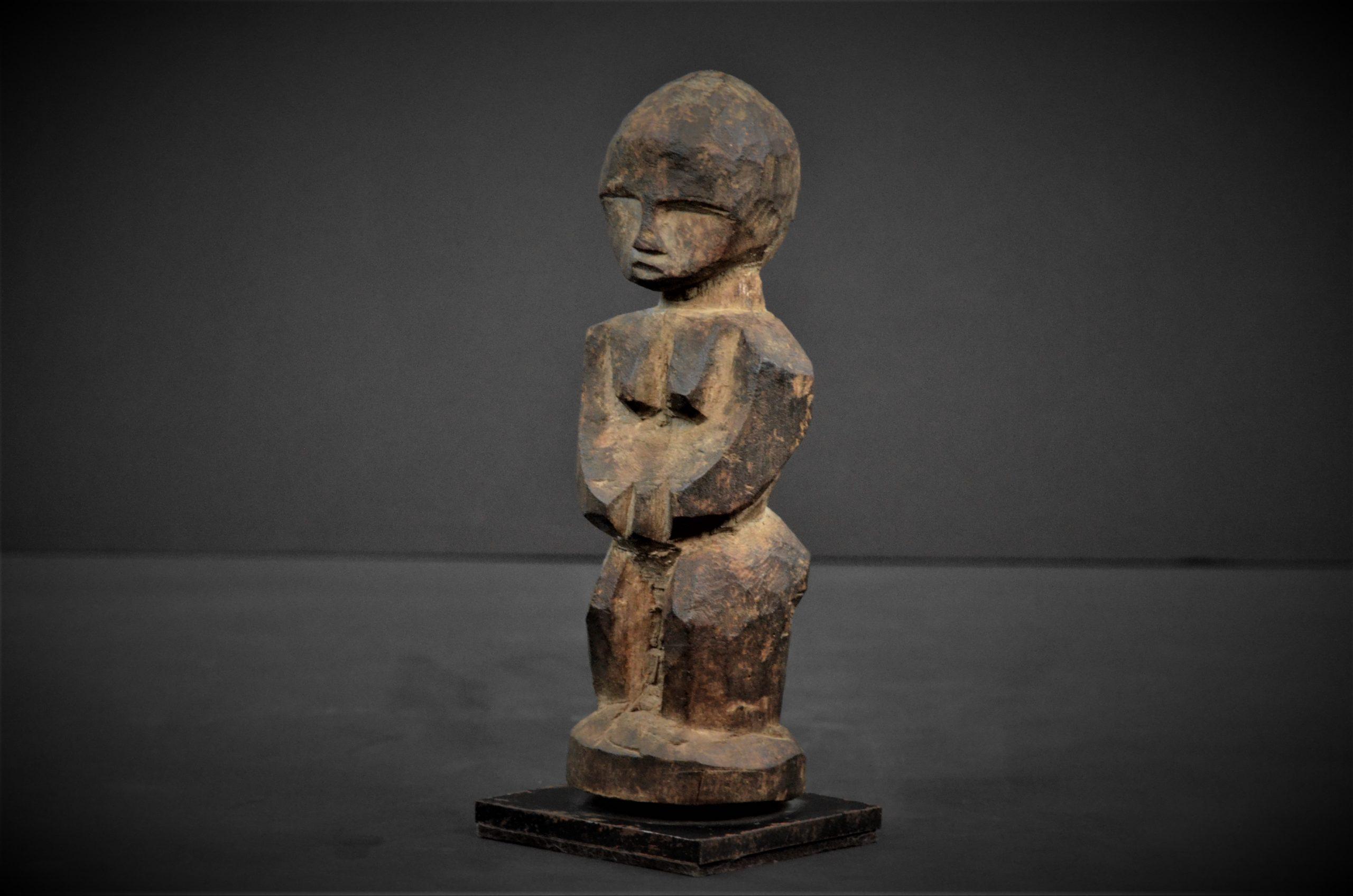 statuette lobi 22