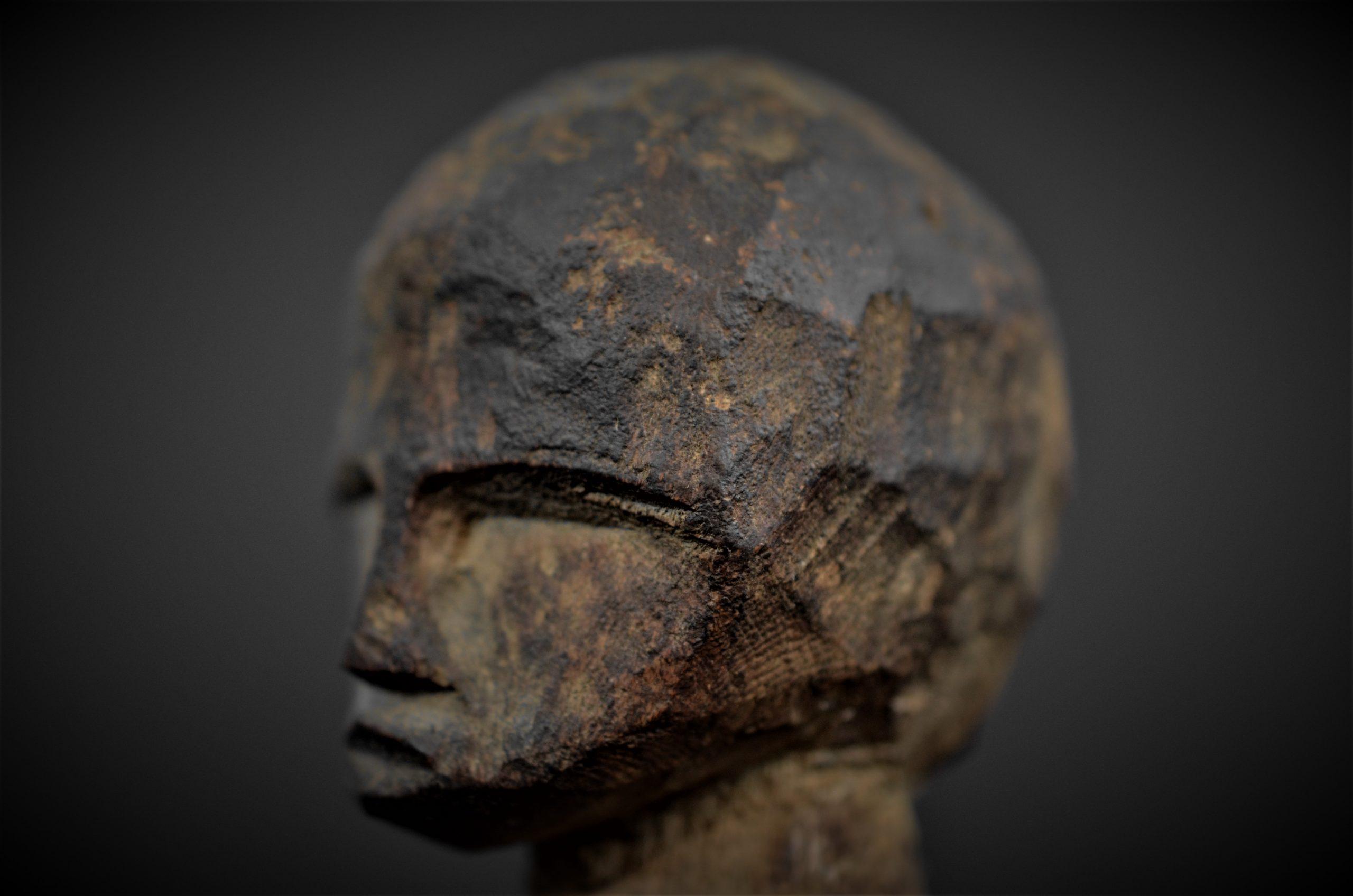 statuette lobi 9