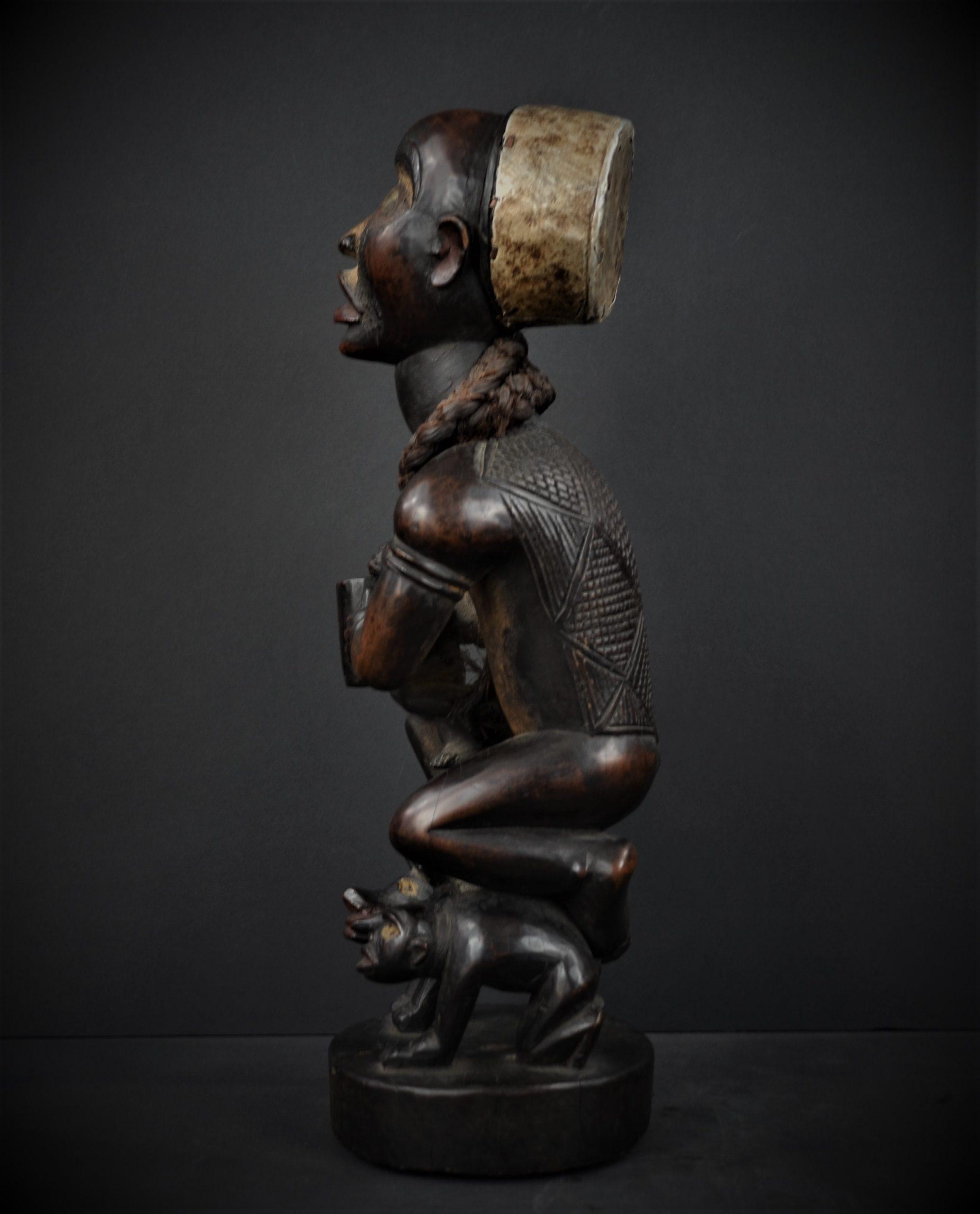 Kongo statue 25