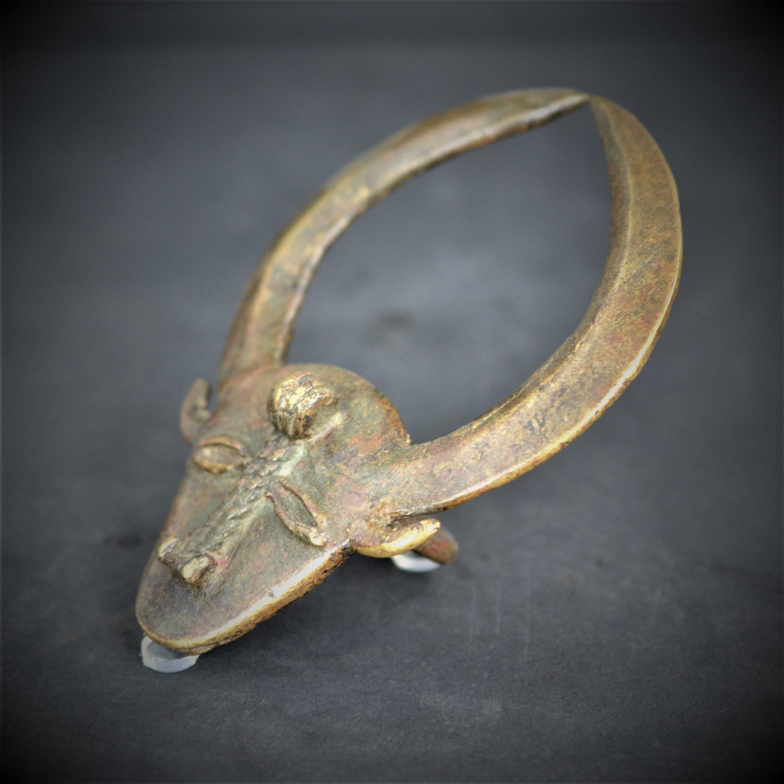 Toro Bronze 8