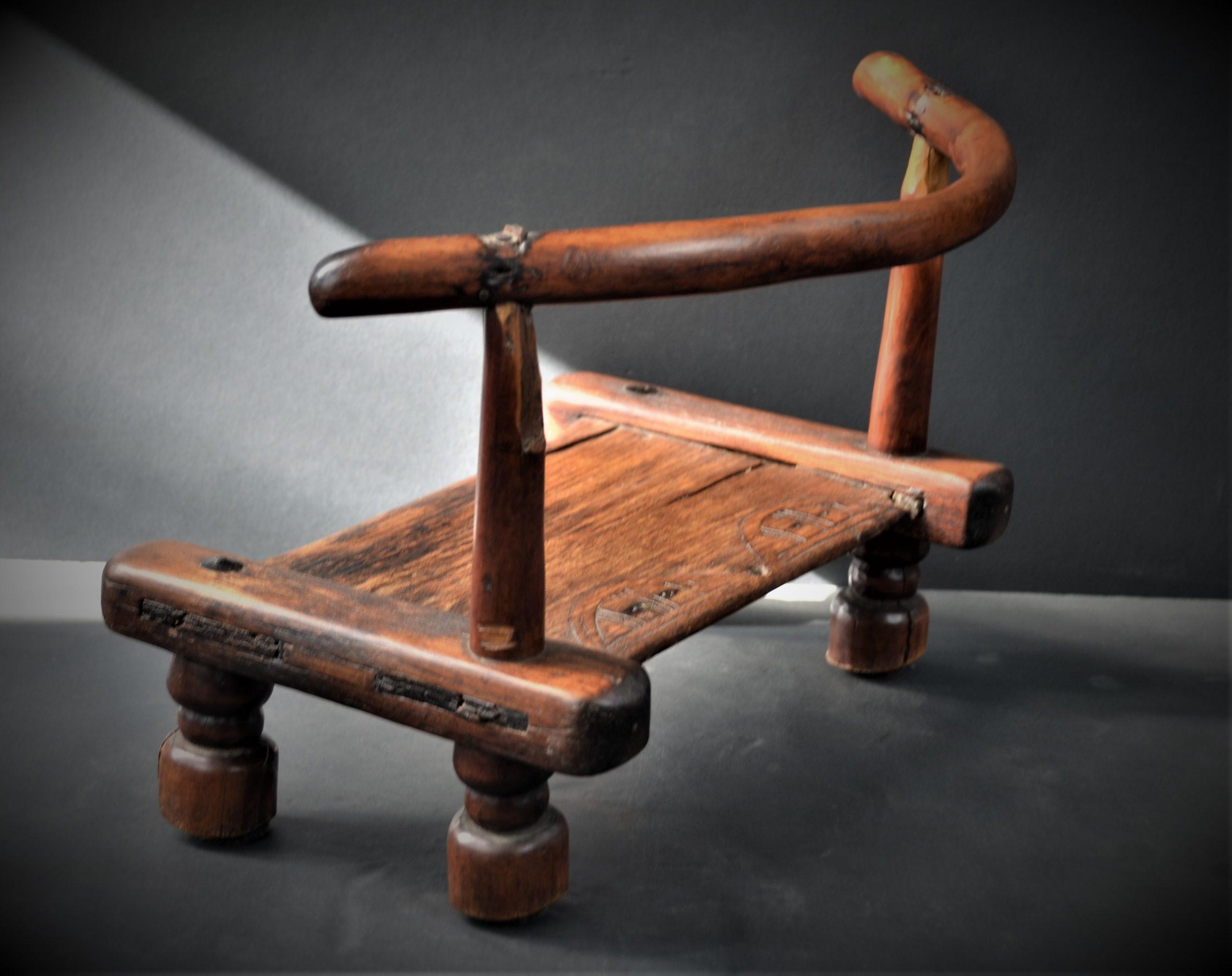 chaise dan 12