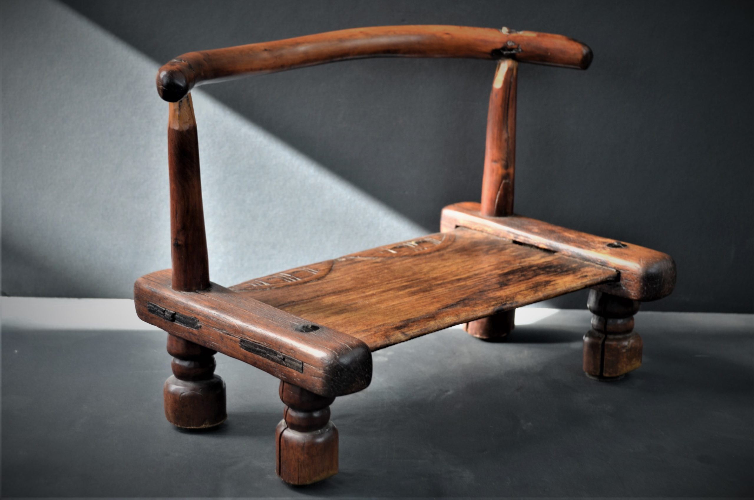 chaise dan 8