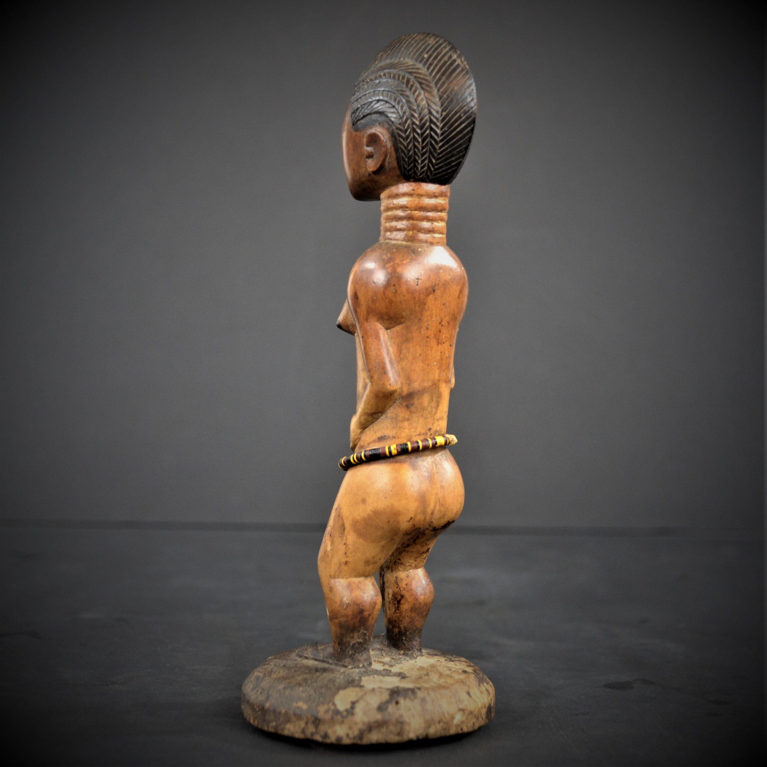 statuette feminine baoule 26