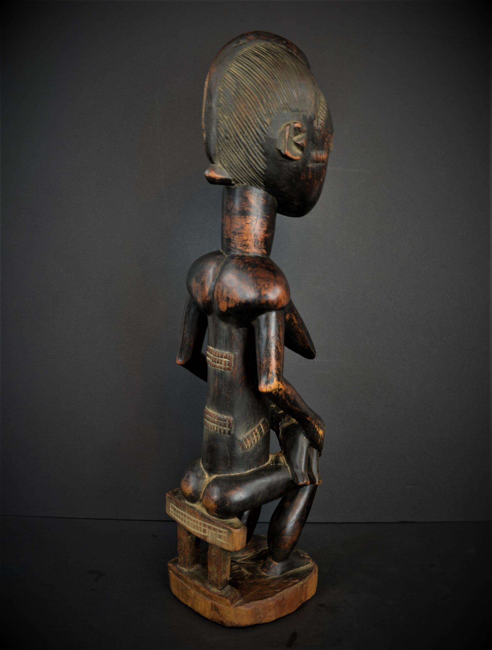 Baoule enfant assise 22