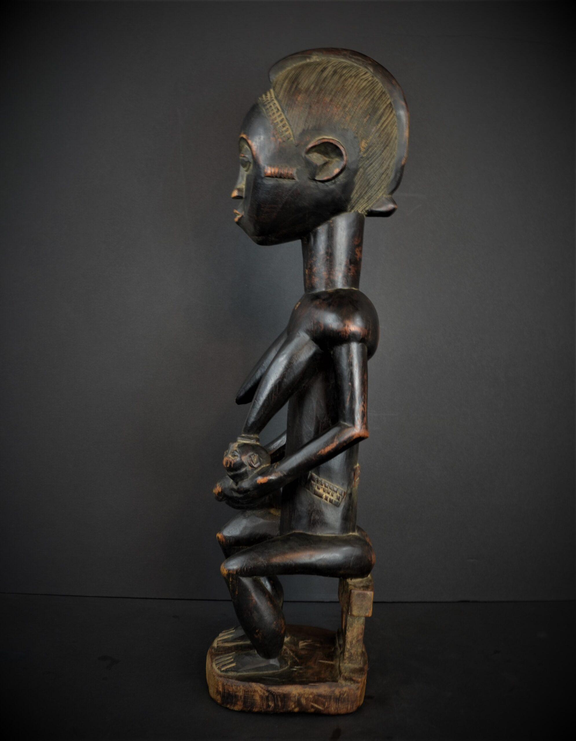 Baoule enfant assise 25