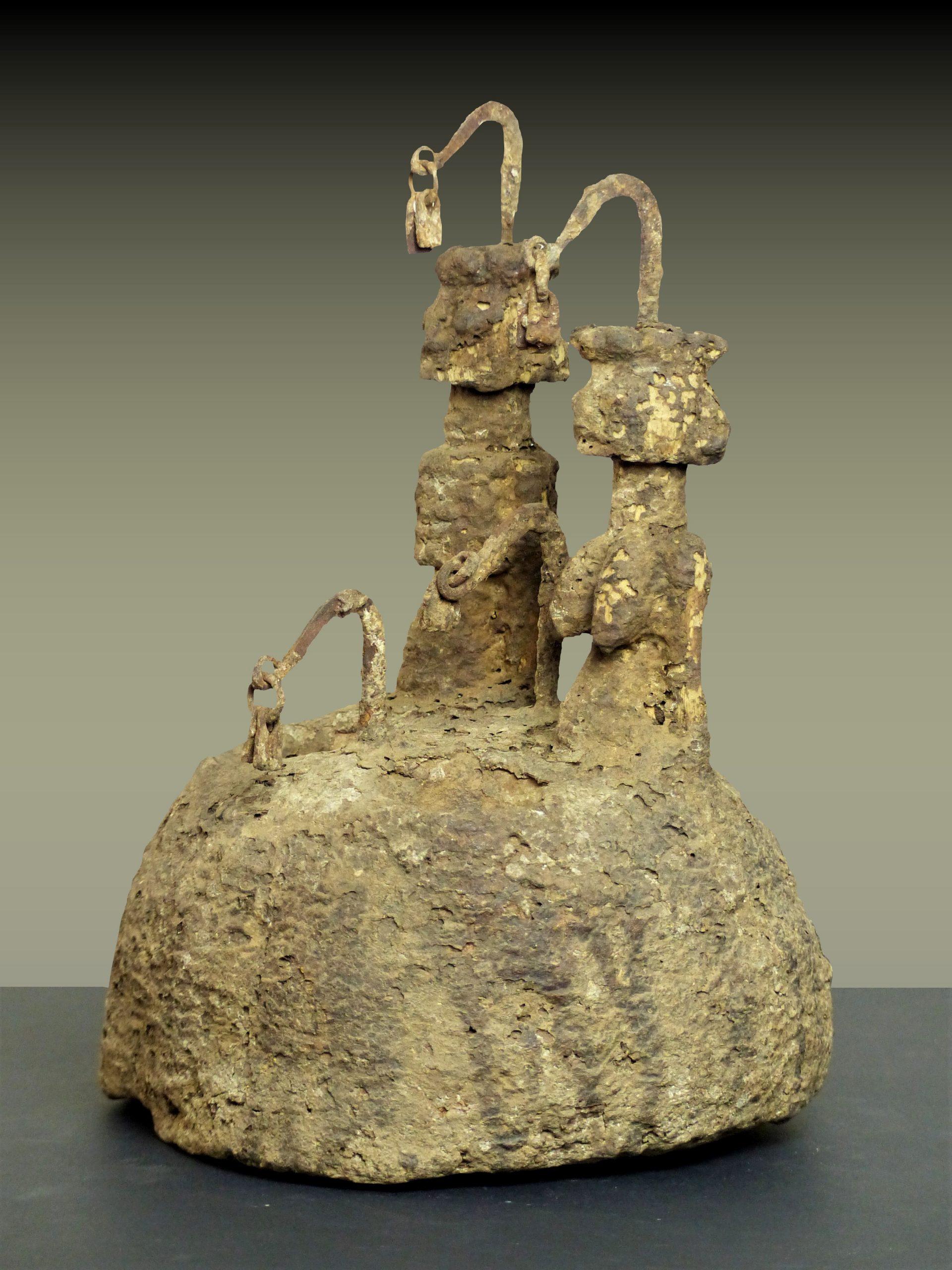 autel dogon en pied trois quart gauche