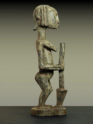 pileuse dogon en pied profil droit