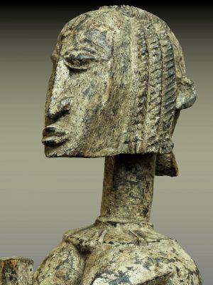 Statue Dogon Pileuse de Mil, Mali