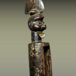 Tambour à fente Yaka, République Démocratique du Congo