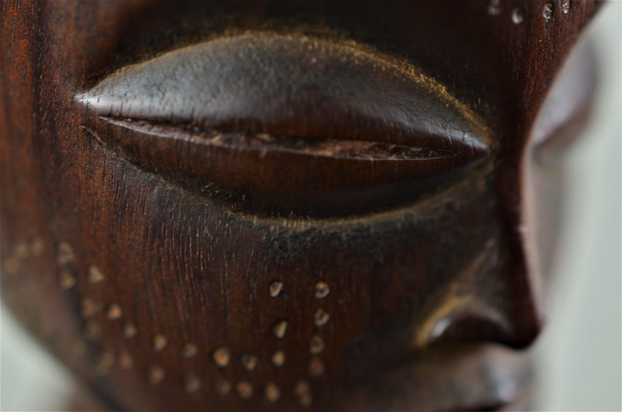 Chokwe statue féminine 12