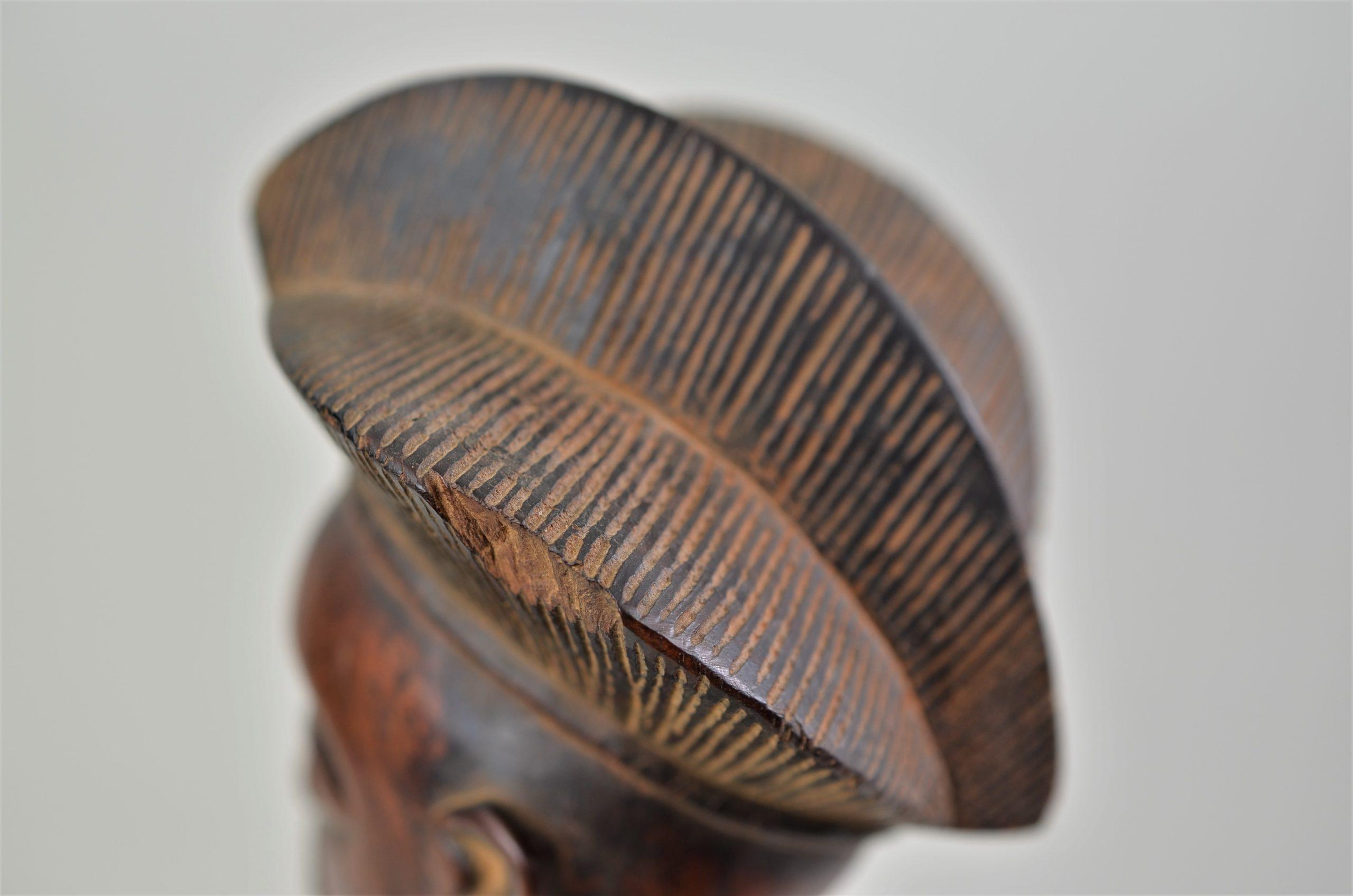 Chokwe statue féminine 21